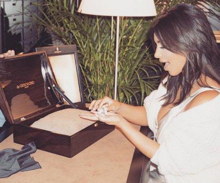 Ким Кардашьян вернулась в сеть впервые после ограбления