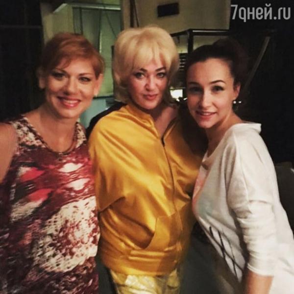 Лариса Гузеева удивила светлой короткой стрижкой