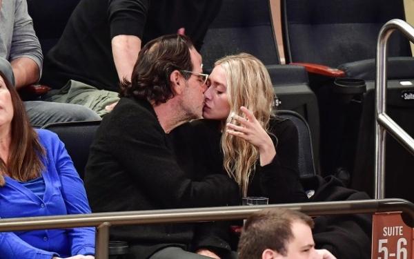 Эшли Олсен целовалась с новым старым бойфрендом