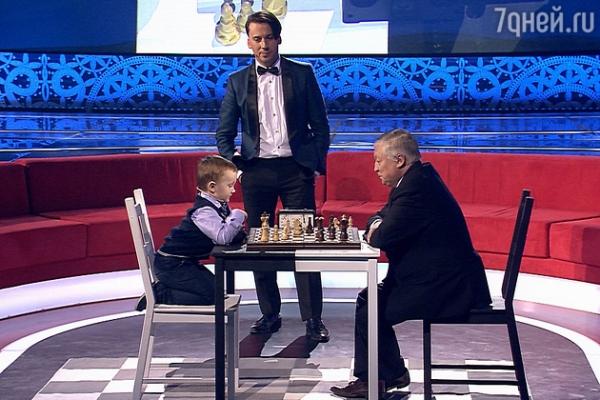 ВИДЕО: Звезда проекта «Лучше всех» начал шахматную карьеру в два года