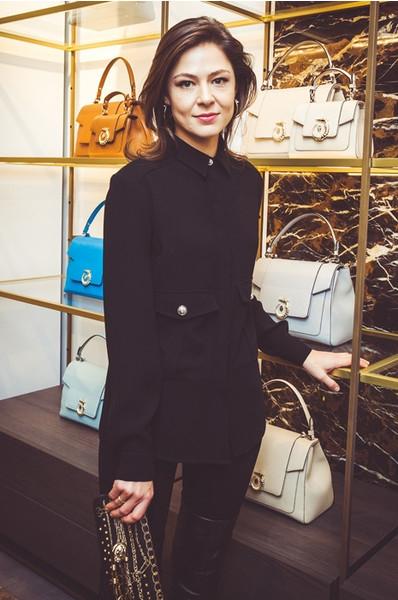 Стиль звезд: Елена Лядова примерила стильный наряд
