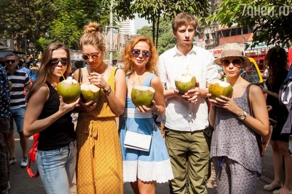 Катерина Шпица и Елена Захарова прогулялись по Мумбаи