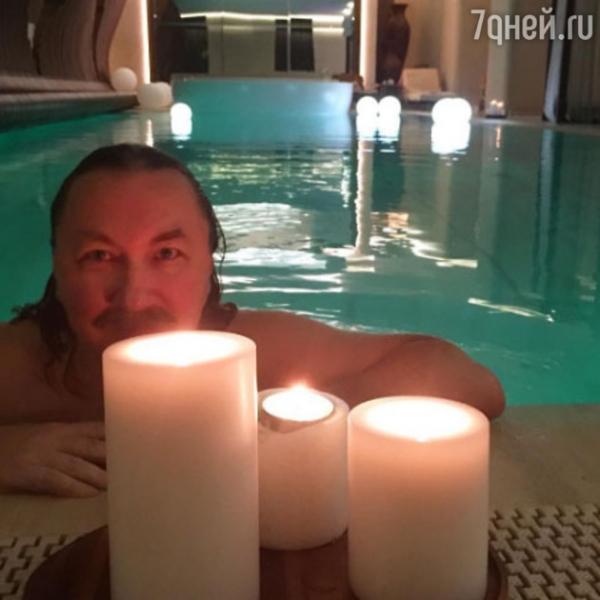Юлия Проскурякова пришла на свидание с мужем в бикини