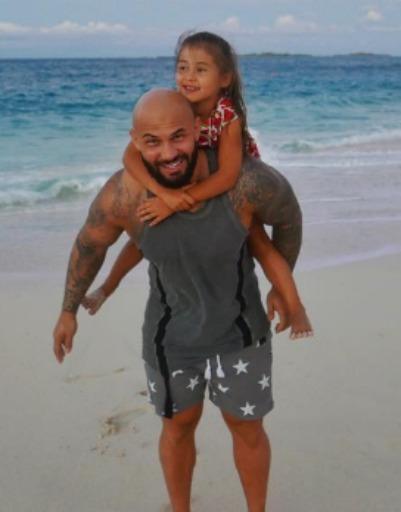 Джиган устроил семье невероятные каникулы
