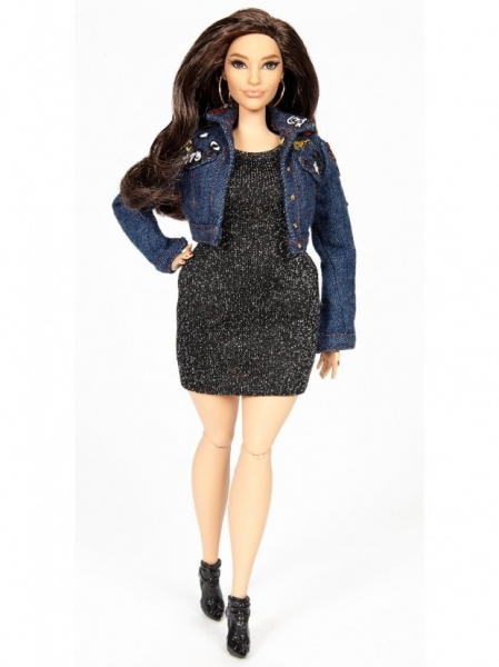 Эшли Грэхем представила свою куклу Барби