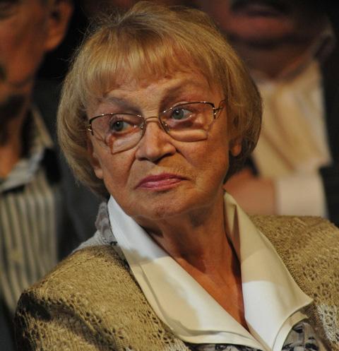 Вдова Олега Ефремова была экстренно госпитализирована