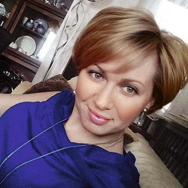 Евгения Кочергина спасали излифта дома, где погибла егодочь