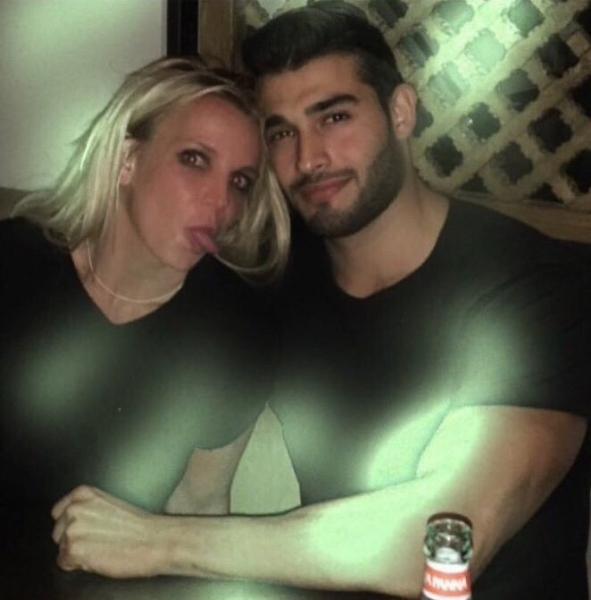 Бритни Спирс сходила на свидание с 22-летним манекенщиком