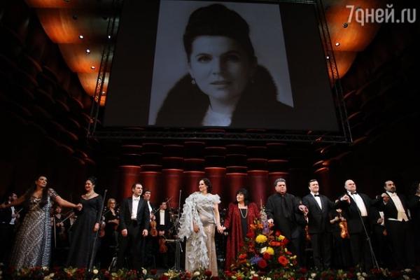 Дочери Галины Вишневской отметили ее 90-летие