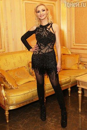 ВИДЕО: Алла Пугачева зажгла в молодежном наряде на концерте Кристины Орбакайте