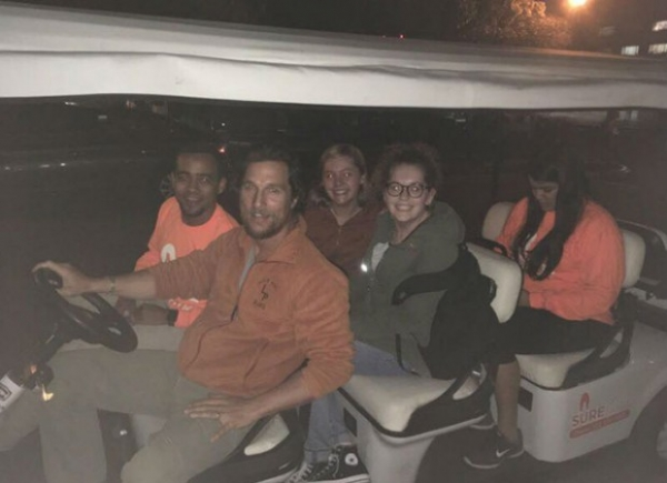 Мэттью МакКонахи поработал водителем для студентов Техасского университета