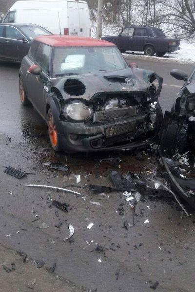 Звезда «Счастливы вместе» попал в серьезную аварию