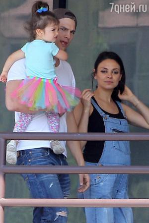 Мила Кунис стала мамой во второй раз!