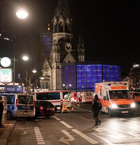 «Черный понедельник»: мир шокирован трагедиями в Берлине и Анкаре