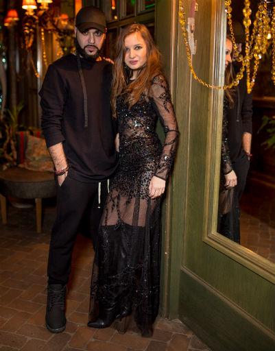 Евгения Феофилактова зажгла на вечеринке после развода