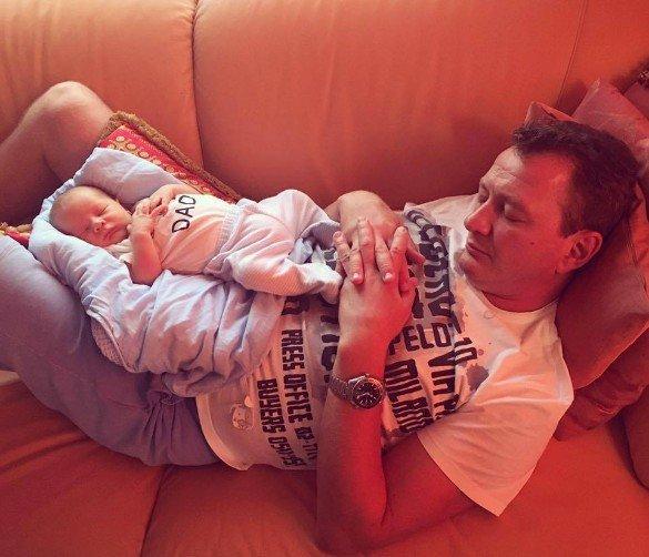 Марат Башаров впервые показал маленького сына