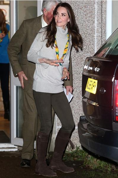 Модный провал: Кейт Миддлтон вышла в свет в странном наряде