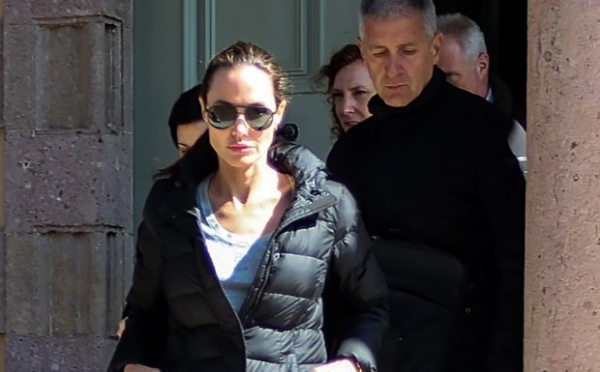 Отец Анджелины Джоли заявил, что его дочь готова к новым отношениям