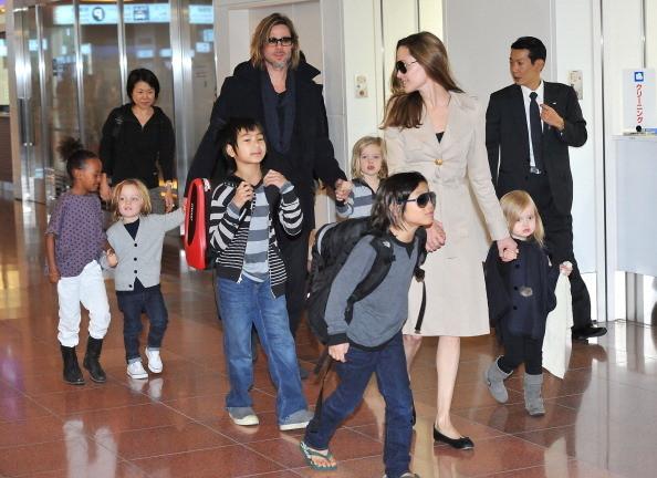 Развод с Джоли побудил Питта сделать пластику лица