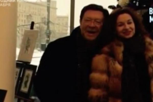 Георгию Мартиросьяну приписывают роман с директором