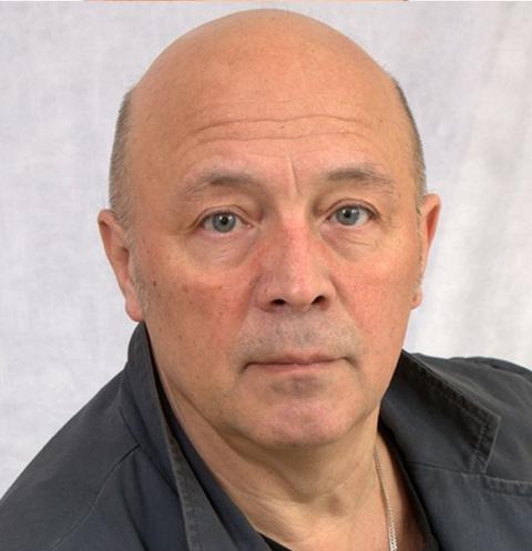 Режиссер Валерий Белякович умер в больнице