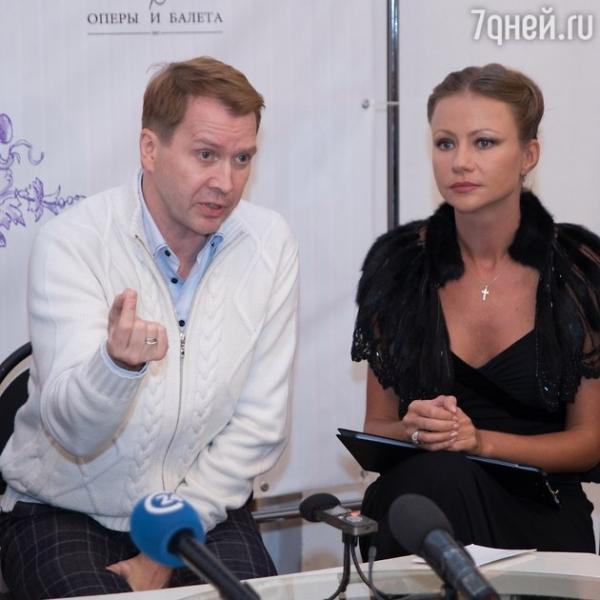 Евгений Миронов отпраздновал юбилей в компании Боярской, Матвеева и Мироновой