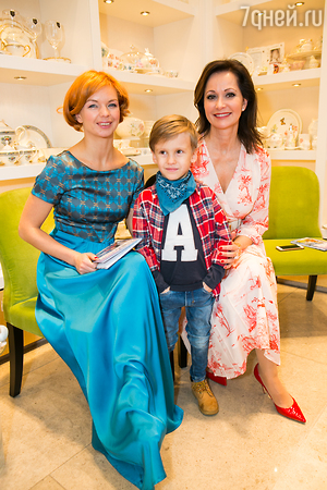 Ирина Муромцева вывела в свет младшую дочь