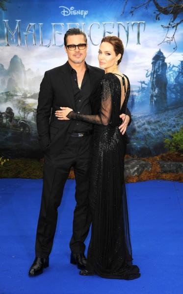 Анджелина Джоли запрещала Брэду Питту общаться с другими женщинами