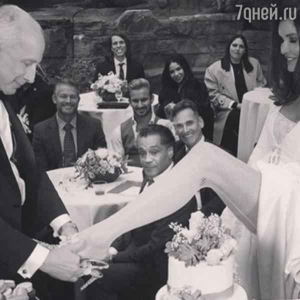 61-летняя Дженис Дикинсон вышла замуж в четвертый раз!