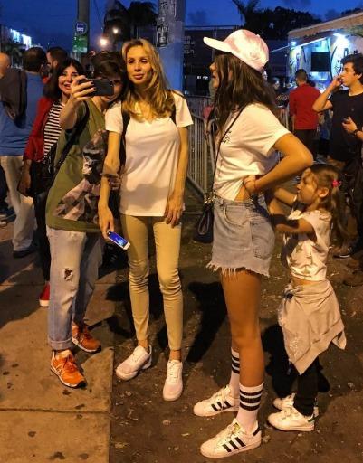 Фото Светланы Лободы без макияжа вызвало восторг фанатов