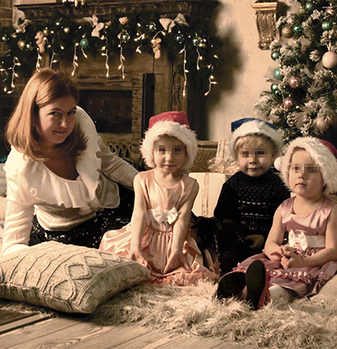 Скандал с 10 приемными детьми: звезды поддерживают мать