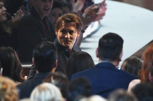 Джонни Депп прослезился во время благодарственной речи на People's Choice Awards