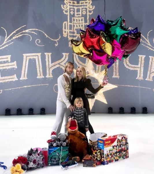 Сыну Рудковской и Плющенко объявили виртуальную войну