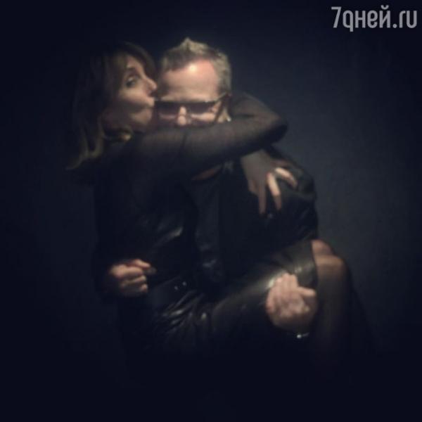 Неожиданно: Светлана Бондарчук показала страстный поцелуй с Владимиром Пресняковым