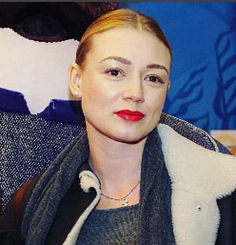 Оксана Акиньшина в третий раз стала мамой