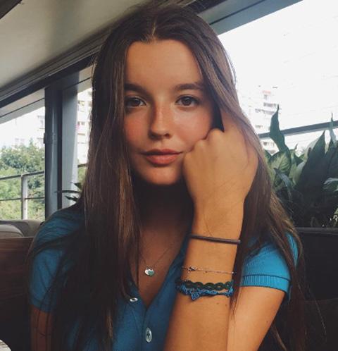 Саша Стриженова сгорает от любви рядом с бойфрендом