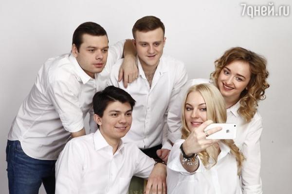 Звезды «Молодежки» расскажут о первой любви
