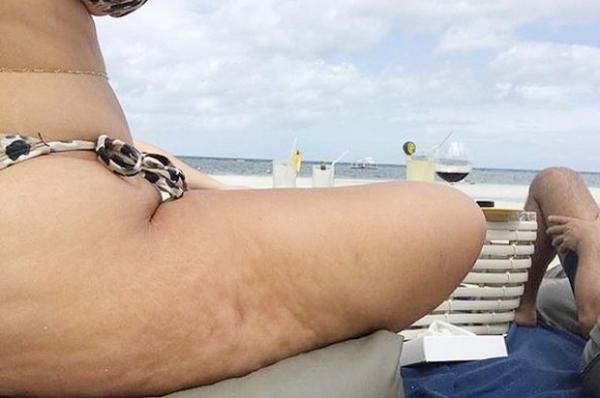 Эшли Грэм не стыдится своего целлюлитного тела
