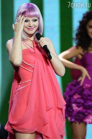 Певица Натали скрывает беременность