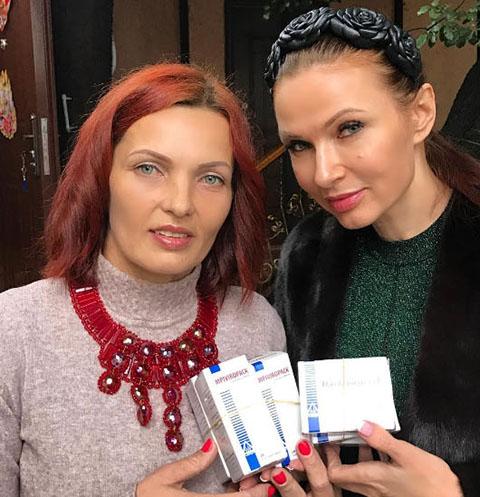 Эвелина Бледанс привезла лекарства больной сестре