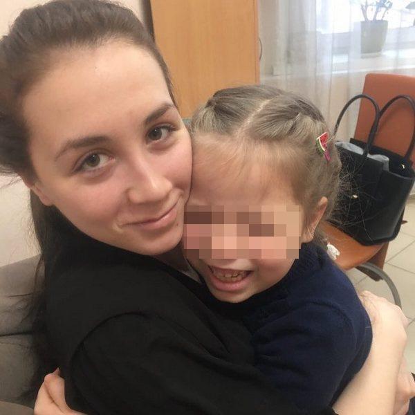 Многодетная семья Дель воссоединилась с изъятой дочерью