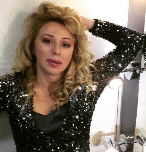 52-летняя Алена Апина пообещала снимать больше «голых» видео