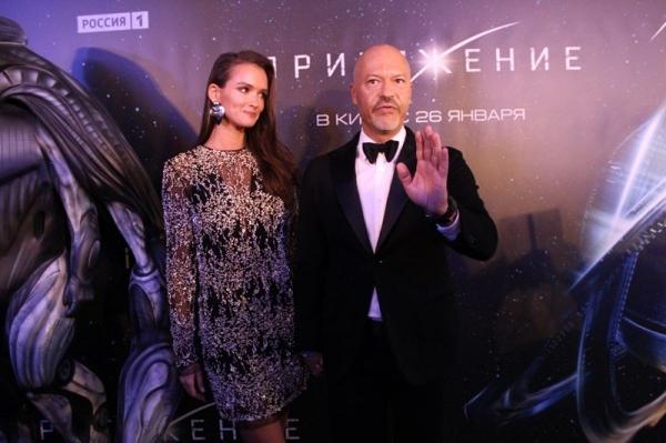Фёдор Бондарчук произвёл фурор, появившись на премьере «Притяжения» с Паулиной Андреевой