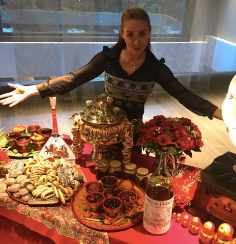 Татьяна Навка взяла двухлетнюю Надю на праздничную вечеринку