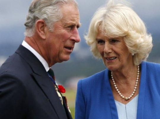 Принц Чарльз изменял жене и любовнице
