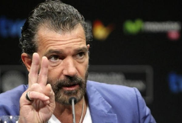 56-летний Антонио Бандерас госпитализирован