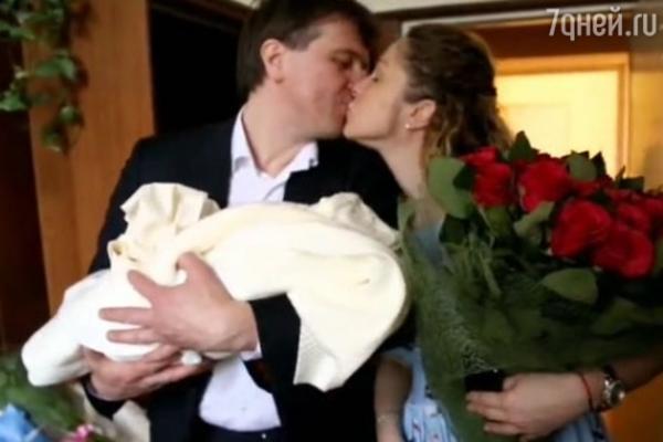 Денис Матросов попал в неловкую ситуацию на родах невесты
