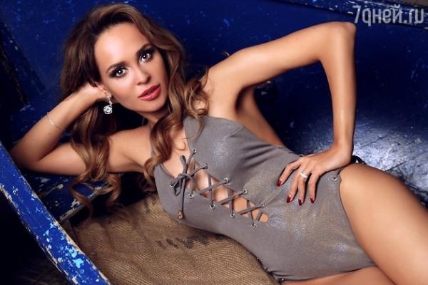 Анна Калашникова выдала секрет роскошного бюста