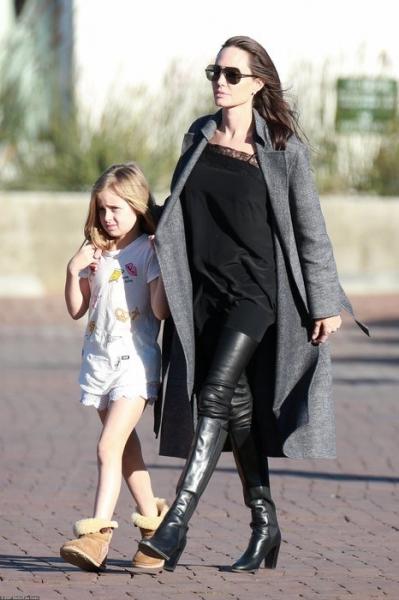 Анджелина Джоли поразалила сеть фантастическим внешним видом