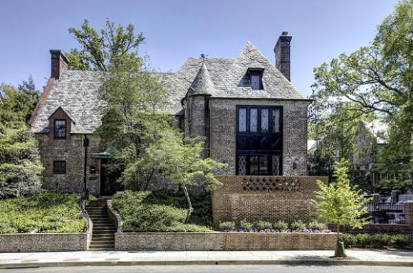 Барак Обама с семьей переезжают в дом за 5,3 миллиона долларов